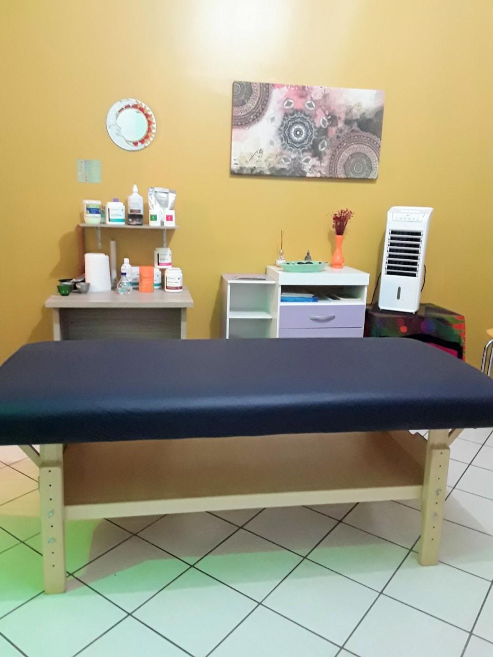 Lú Massoterapia e Terapias Holísticas